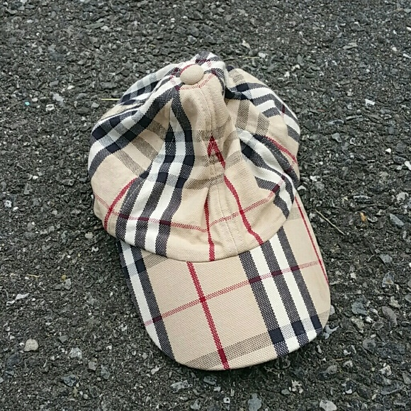 26caf42dc5a Burberry Accessories - NEW Small Burberry Baseball Hat