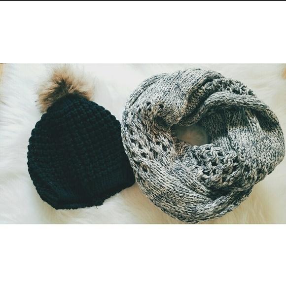 Gap Infinity Scarf Knitting Pattern : Gap - Infinity knit scarf from Heathers closet on Poshmark