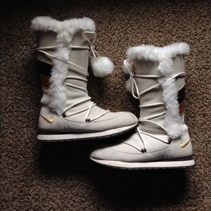nike fur boots