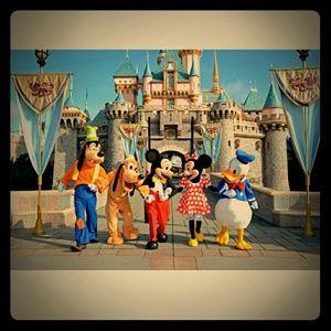 Off to Disneyland 10-01-15