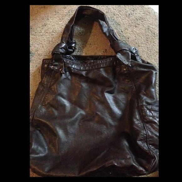 a72cc81e9b73 Converse Handbags - converse leather purse