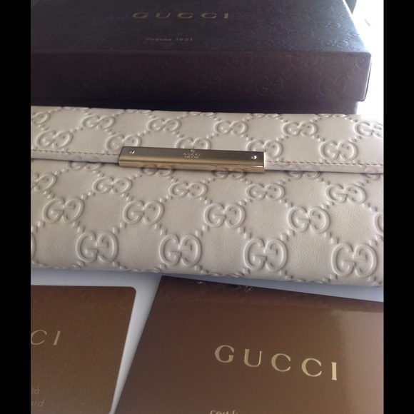7349771ad23 Gucci Bags | Just Loweredssima Off White Wallet | Poshmark