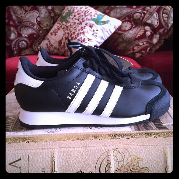adidas shoes size 4