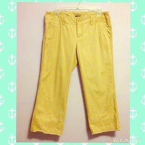 GAP Pants - Gap khaki cropped pants