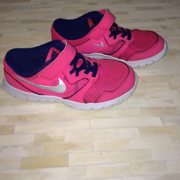 Kids Girls Pink & Purple Nike Sneakers (no tie)