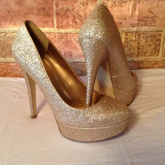 cd10a5af6f2e ALDO Shoes | Gold Glitter Heels | Poshmark