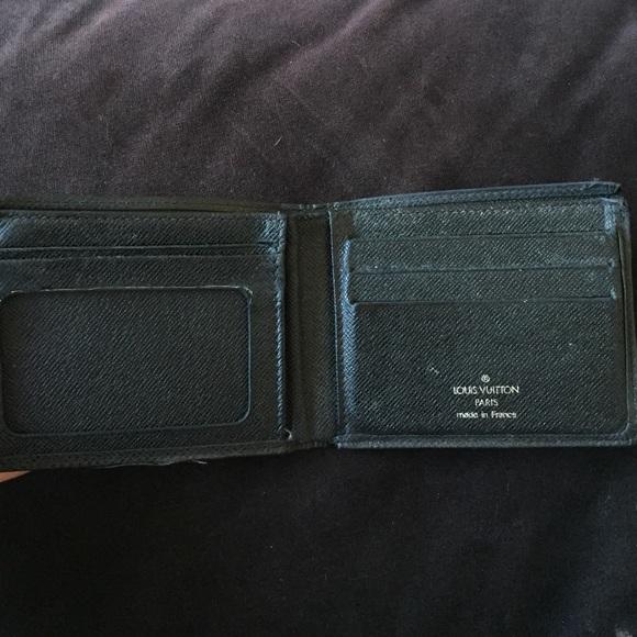 c71e17d0f583 Louis Vuitton Other - Authentic mens LV Louis Vuitton black wallet