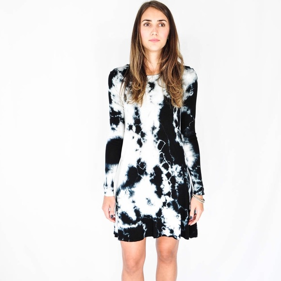 NYTT Tie Dye Cut Out Long Sleeve Swing Dress