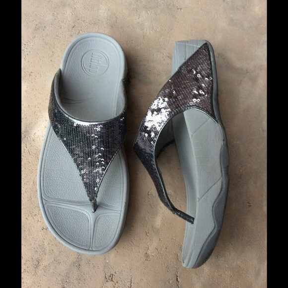 bc46ff2ffaa Fitflop Shoes - Electra Silver Sequin Fitflop - size 6