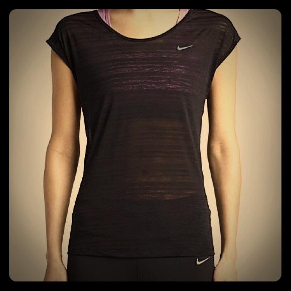 hot sales e6300 13625 Nike Dri-Fit Cool Breeze top black medium. M 560dfcaa2de5125327000475
