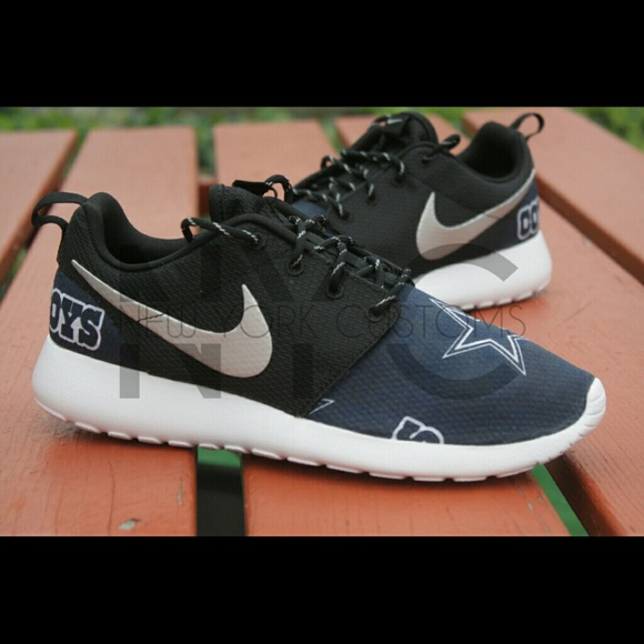 Dallas Cowboys Nike Roshe Run Custom