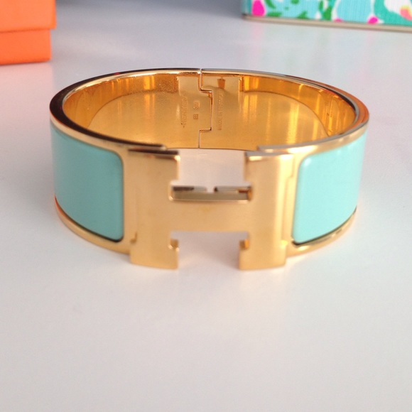 24 off hermes jewelry herm s clic clac bracelet in blue lagon size pm from - Dimensions clic clac ...