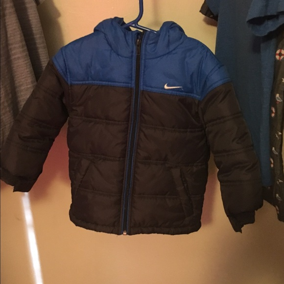 9ecd972fe Nike Jackets   Coats