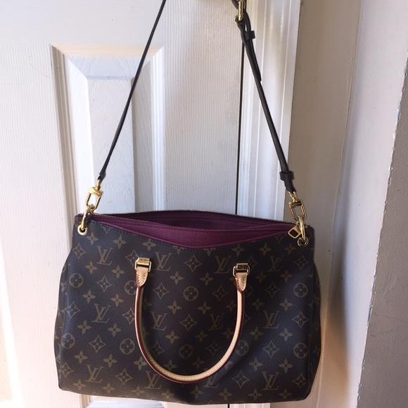 Louis Vuitton Bags   Process Of Sellingauthentic Lv Purse Pallas ... bcd106b6da