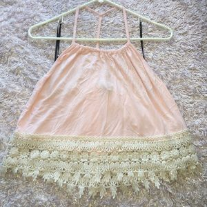 Baby pink flowy tank with lace detailing