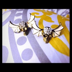 It's almost Halloween time! Skull with wings!