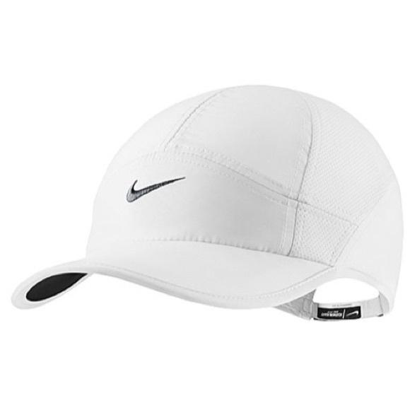 675cb878fda319 Nike Accessories