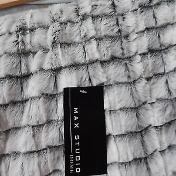 Max Studio Other Faux Fur Throw Blanket Grey White New Poshmark Classy Grey And White Throw Blanket