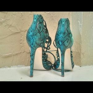 "Teal color ""Danette"" size 6 by JustFab"
