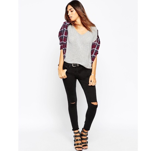 ASOS Denim - Brand new* ASOS Whitby low rise jeans ripped knees