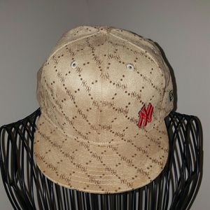 0b1a4bbc26c Gucci Accessories - NEW ERA Yankee fitted suede