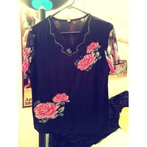 Tops - Women's Black V-Neck Floral Print Top