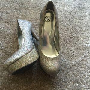 Shoes - Sparkle heels!