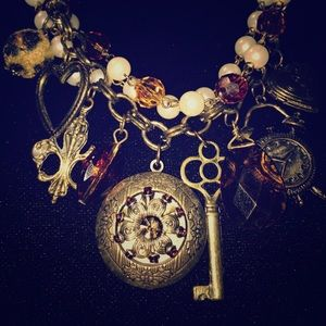 Jewelry - Vintage Statement Necklace w Charms & Imit Pearls