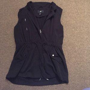 H&M black zip vest