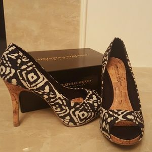 Christian Siriano Shoes - Gorgeous black and white heel