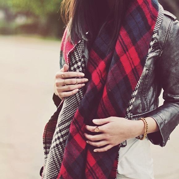 13933396c87 Zara Reversible Plaid & Herringbone Blanket Scarf
