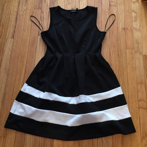 5615deb4213 NEW Kohl s Apt 9 career dress black white strip