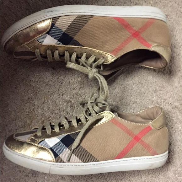 b74cee11c65 Burberry Shoes - Women s Burberry Sneakers! Size 9 (39)