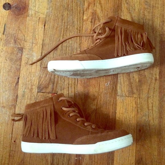 Steve Madden High Top Fringe Sneaker