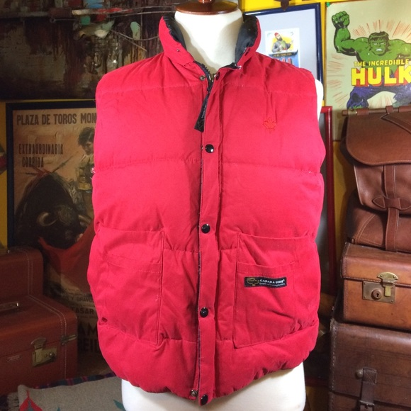 bf70ea5e96 Canada Goose Red Down Vest size large
