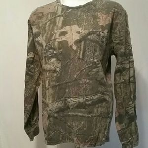 Mossy oak camo long sleeve tee