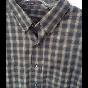 Van Heusen Other - Men's Button up shirt Van Heusen SZ.XL very nice