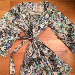 Plum Pretty Sugar Other - Plum Pretty Sugar Floral Robe