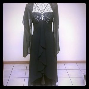 Dresses & Skirts - Black Party Dress