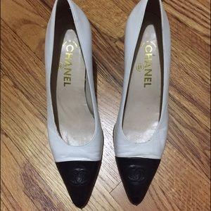Auth Chanel heels