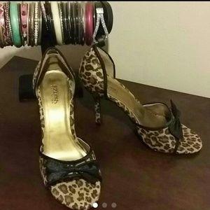 Leopard shoes size 6