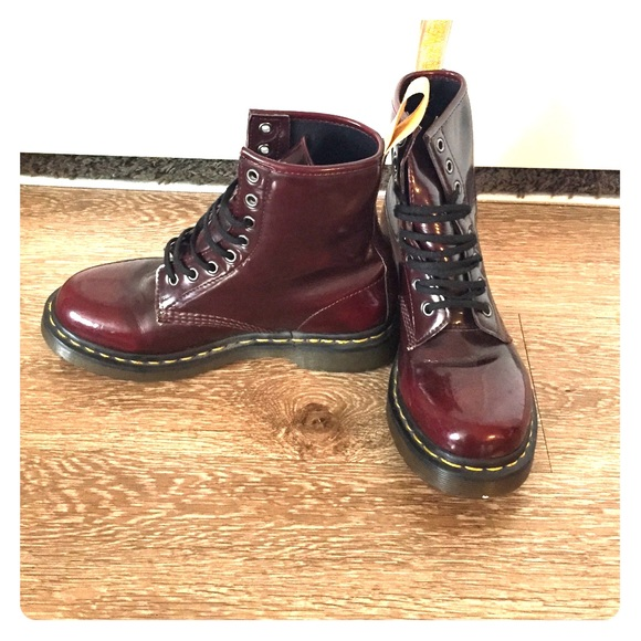 Dr. Martens Shoes - Women s Size 8 Burgundy Patent Leather Doc Martens e5cd39bdeb