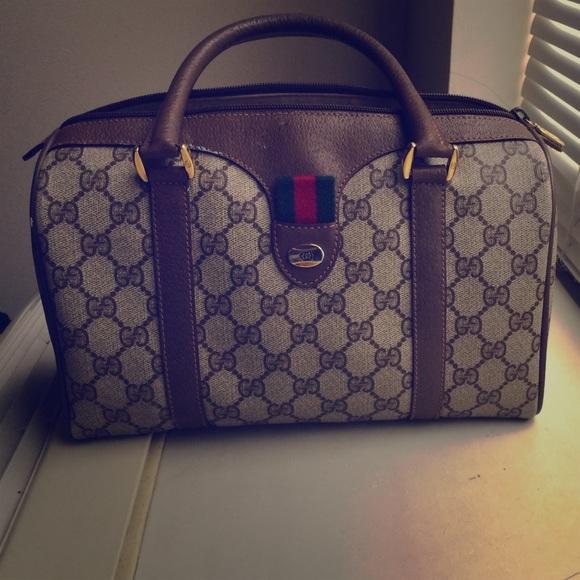ec8da4cda46 Gucci Handbags - Authentic Gucci Accessory Collection Purse