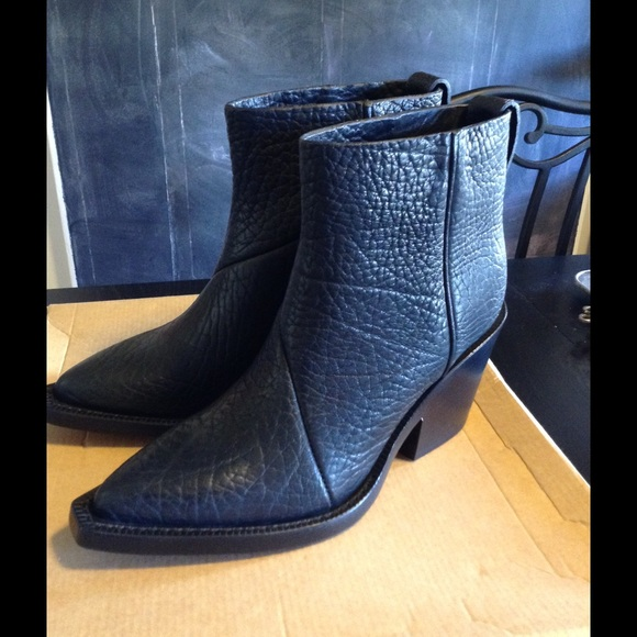 Acne Studios Textured Suede Ankle Boots outlet amazing price WuJkuQPyM3