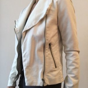 Forever 21 Jackets & Blazers - White Moto faux leather Jacket for fall size small