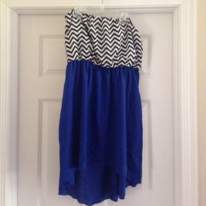 Short chevron and blue dress