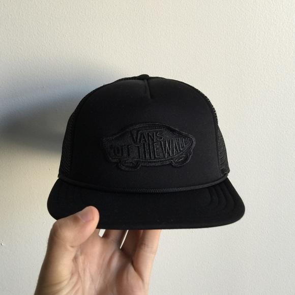 All-black Vans Snapback Hat. M 5612fbf24225becde40033a0 dfe6c44aa60