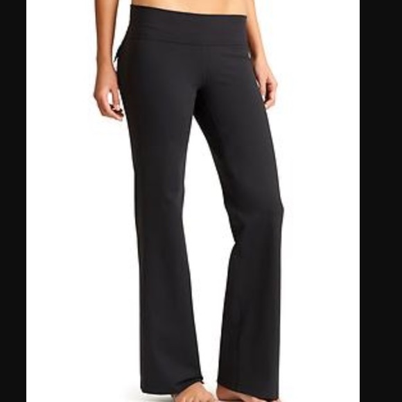 9c29242bcae03 Athleta Pants - Athleta Black Flare Leg Flap Pocket Yoga Pants