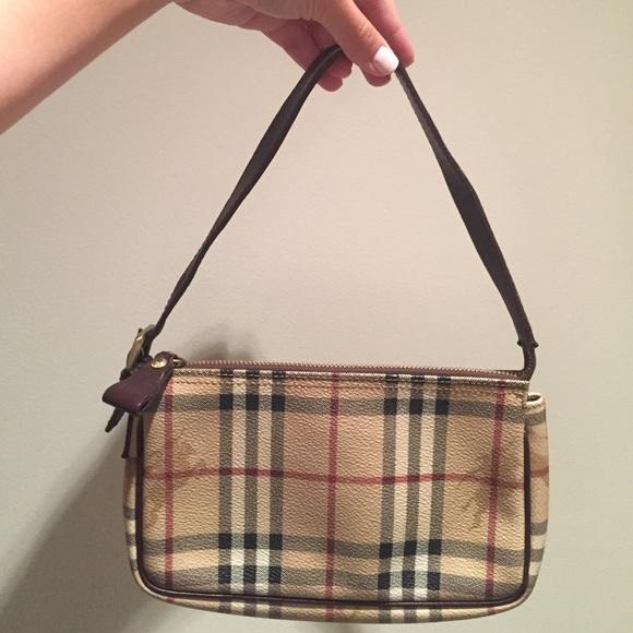 5b8262cf0d9 Burberry Handbags - Authentic Burberry mini shoulder bag
