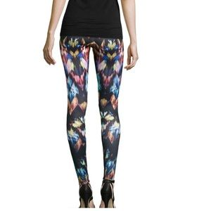 Dazzling Legging Pants by Romeo & Juliet Couture.